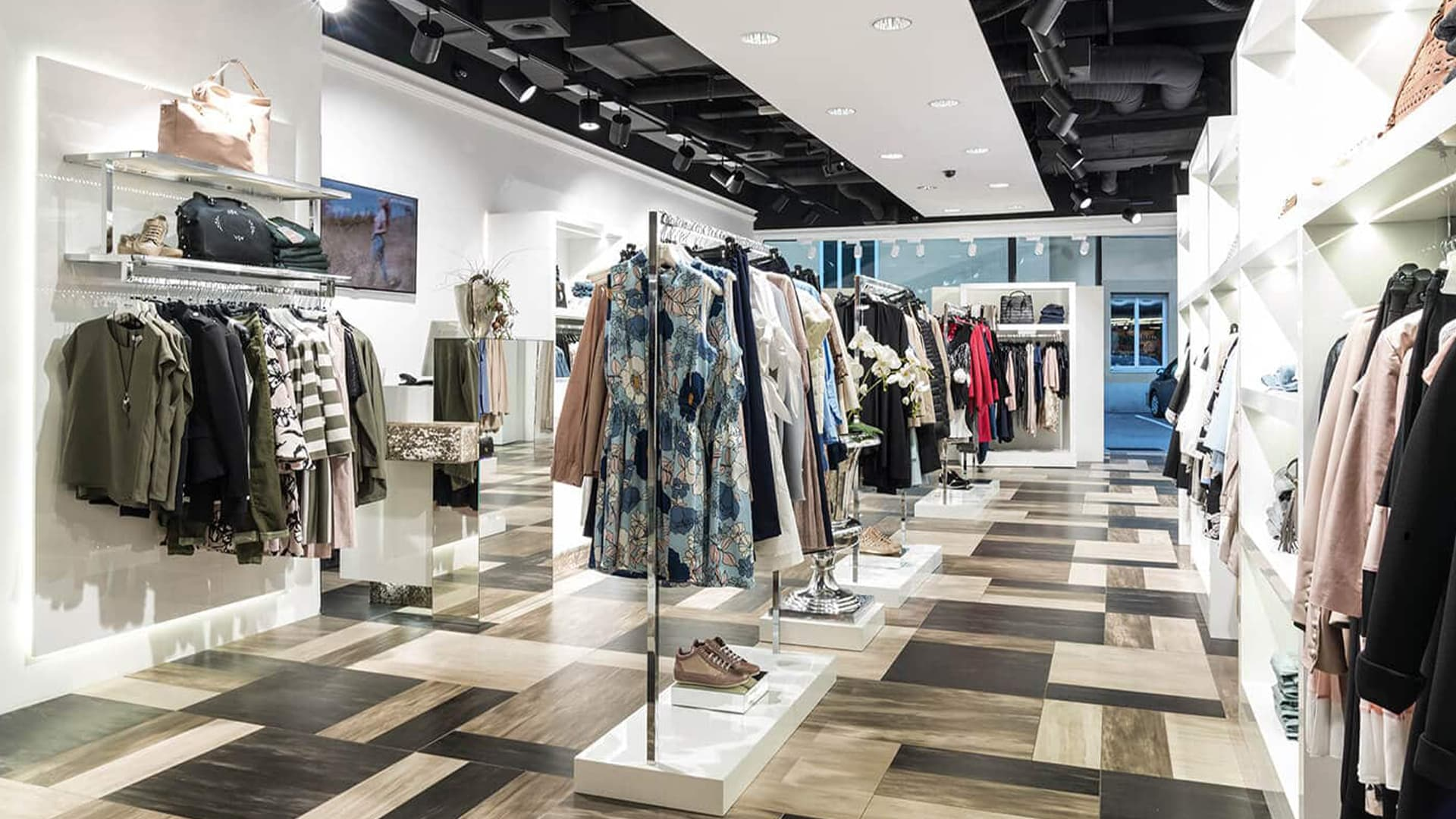 Ladenbau Vorarlberg Blickfang Fashion